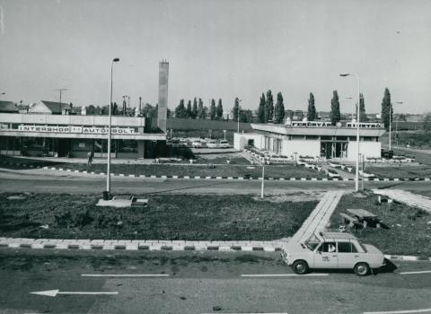 Autósbolt és bisztró a velencei pihenőhelyen