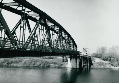 Az Algyői vasúti Tisza-híd építése
