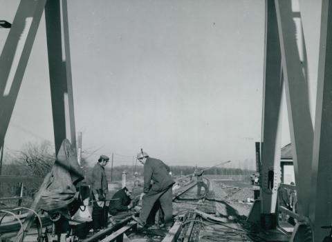 Az algyői vasúti híd új sínpárjának próbaterhelése