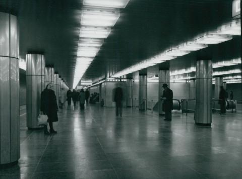 A 3-as metró Deák téri állomása