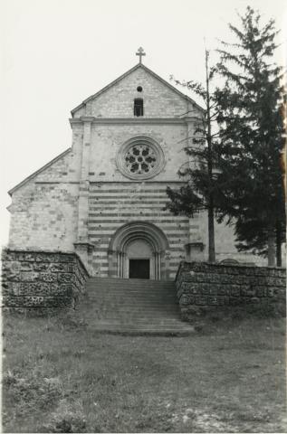 A bélapátfalvi ciszterci templom nyugati homlokzata
