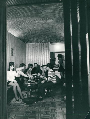 Társasági esemény az FTV Reviczky utcai KISZ-klubjában