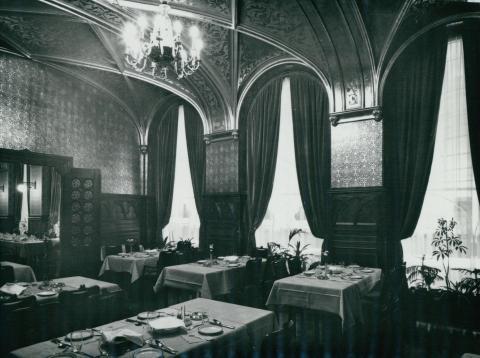A Kárpátia étterem Zrínyi-terme az 1978-79-es rekonstrukció után