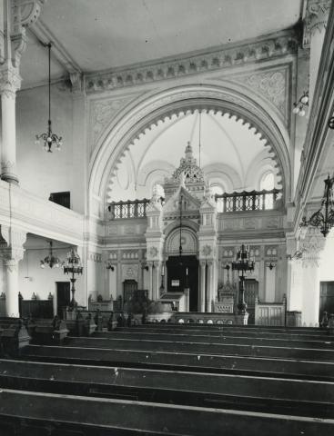 A szolnoki zsinagóga belső tere