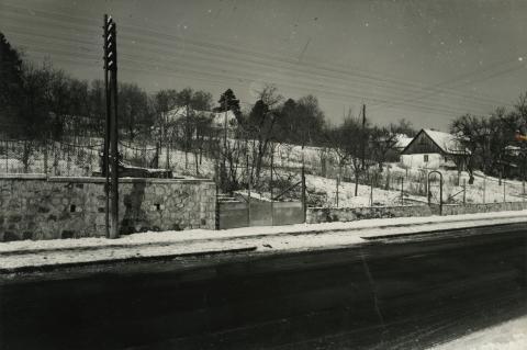 Leányfalu, téli utcakép