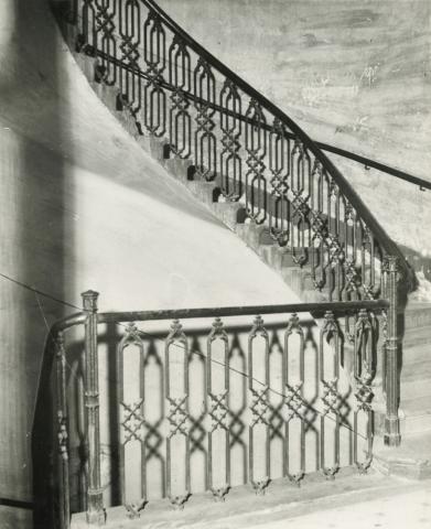 Budapest V. kerület,  Sas (egykori Guszev) utca 3., lépcsőház, emeleti részlet