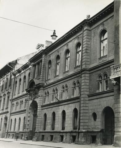 A Károlyi-Csekonics Palota Reviczky utcai homlokzata