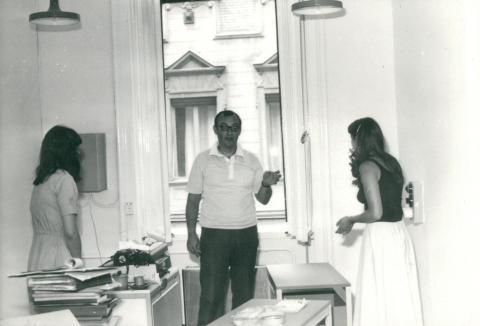 Bútorszerelés az FTV irodájában