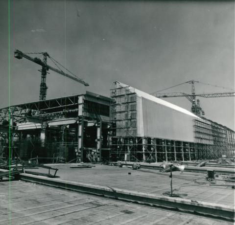 A paksi atomerőmű építése