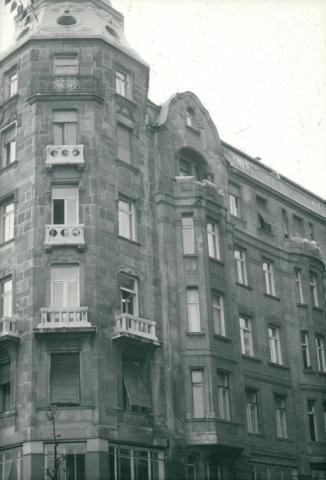 Vakolt homlokzat megfigyelése Budapest 13. kerületében