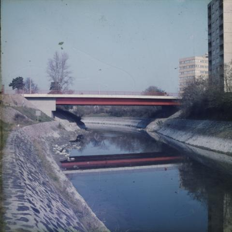 A siófoki 7-es út Sió csatorna felett átívelő hídja