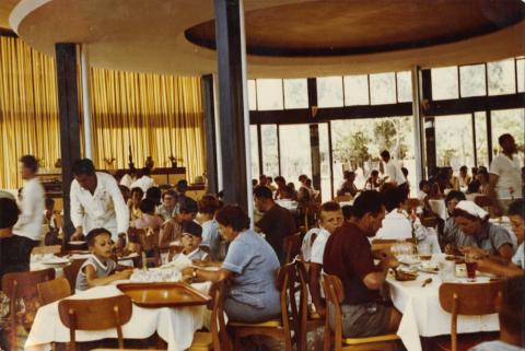 A siófoki Hableány Étterem belső tere