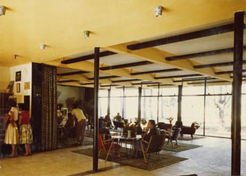 A siófoki Balaton Szálló recepciója