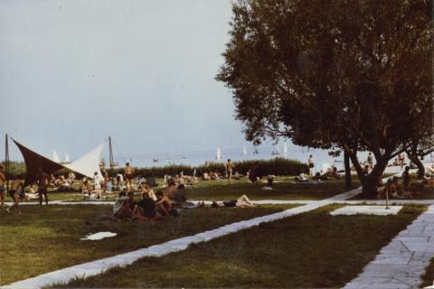 A balatonalmádi strand a Központi Park területén