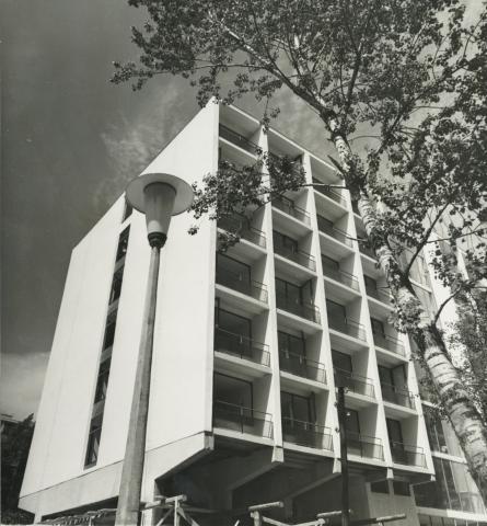Az aranyparti szállodasor épülő hotelépülete