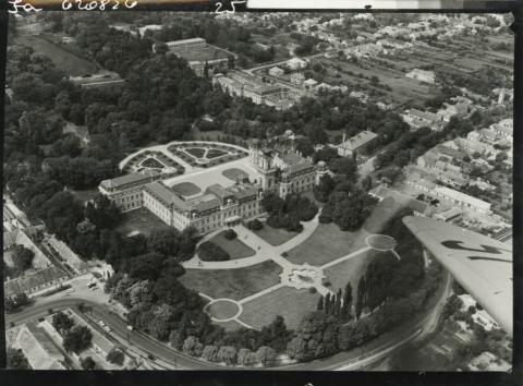 A Festetics-kastély látképe