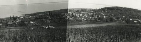 Balatonalmádi látképe a part menti Lottó Üdülővel