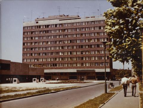 Dunaújvárosi munkásszálló látképe