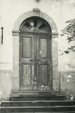Bonyhád, evangélikus templom kapuja
