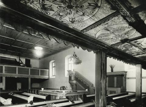Az abonyi református templom belseje