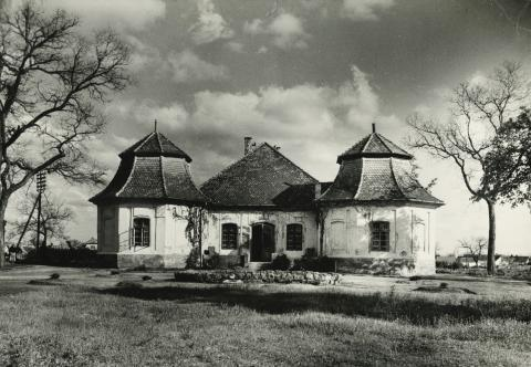 Az abonyi Fábián kúria főhomlokzata