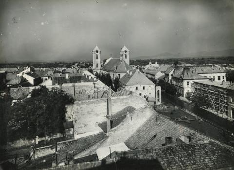 Gyöngyösi látkép a tűzoltó toronyból a Szent Bertalan templom felé