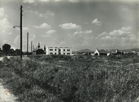 Gyöngyös, városkép az Egri útról