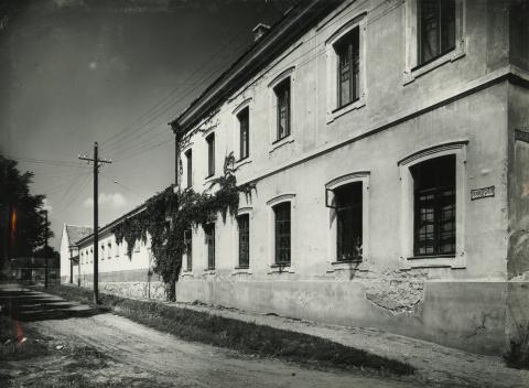 Gyöngyös, Fenyvessy G. utcai méntelep melléképülete
