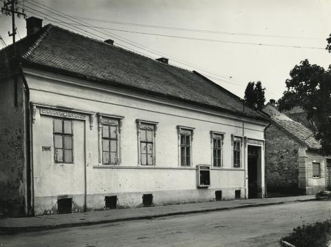 Gyöngyös, Petőfi Sándor utca 9. számú épület