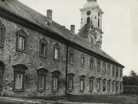 A gyöngyösi Sarlós Boldogasszony Ferences templom és kolostor