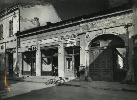Gyöngyös, egykori Sztálin tér 12.