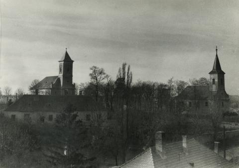 Az ajkai templomdomb látképe