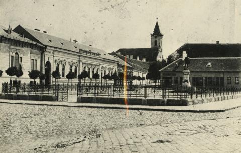 A bajai Tóth Kálmán tér