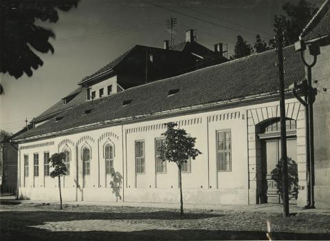 Romantikus stílusú lakóház a bajai Kölcsey Ferenc utcában