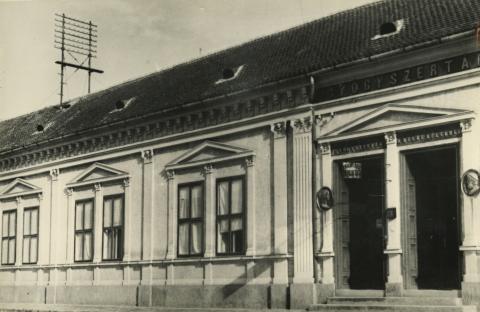 A bajai Vörösmarty Mihály utca 14. szám alatti lakóház