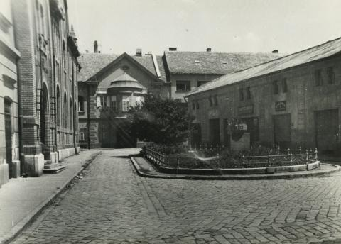 A bajai Roosewelt tér