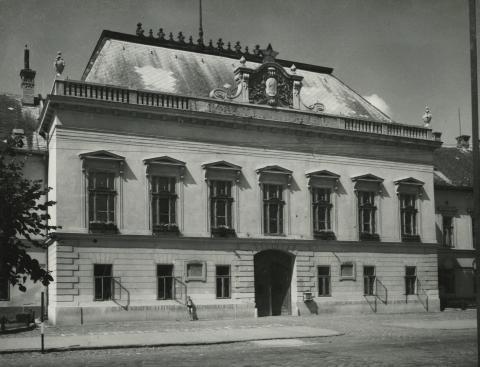 A balassagyarmati egykori megyeháza főhomlokzata