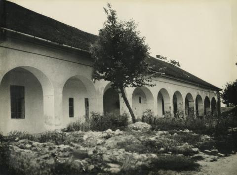 A nagykőrösi Arany János Múzeum oldalhomlokzata
