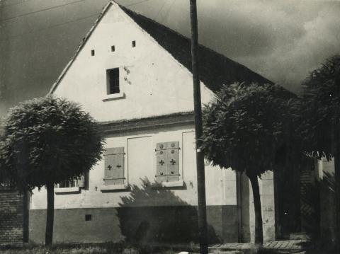 Nagykőrös, Tanárky Béla utca 7. számú lakóház