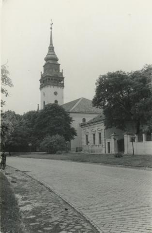 Református templom a Szolnoki út felől, Nagykőrös