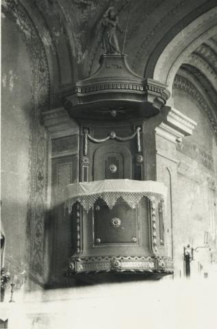 A köveskáli római katolikus templom szószéke