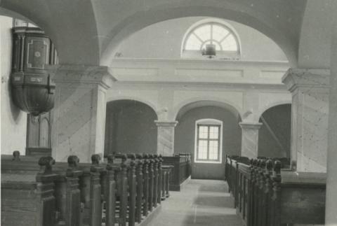 A köveskáli református templom belső tere