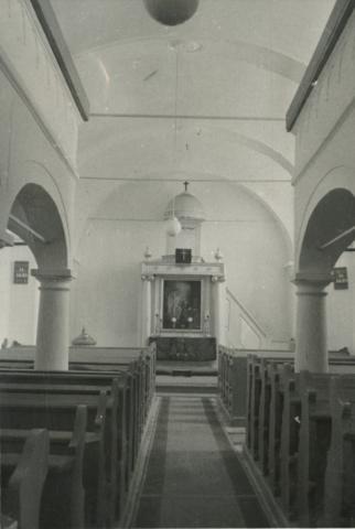 A mencshelyi református templom belső tere