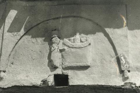 A tihanyi apát volt házának részlete Mencshelyen