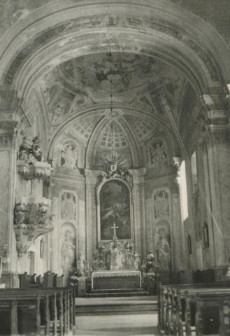 A monostorapáti római katolikus templom belseje