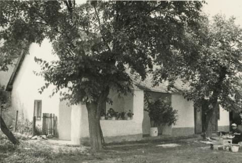 A monoszlói református paplak