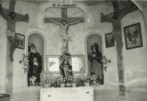 A barnagi Kálváriakápolna oltára