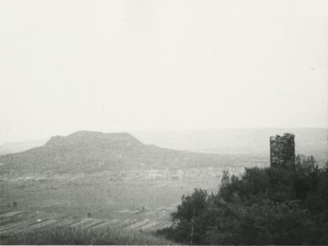 Kilátás a csobánci várból a Szent György-hegy felé