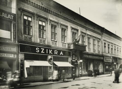 A Tisza Lajos (egykori Lenin) körút 5. lakóháza