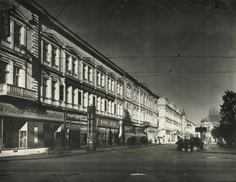 A szegedi városháza déli oldala